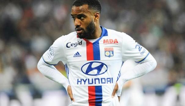 «Арсенал» раздумывает над приобретением двух игроков французской сборной
